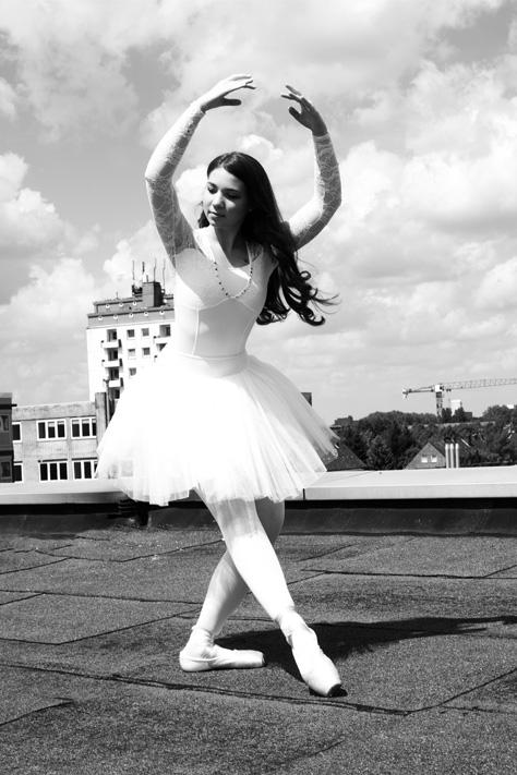 Setcard Schauspieler Model Influencer Anfänger Profi Hamburg Fotostudio useone International Social Media Kanäle Instagram Facebook Twitter Snapchat Ballerina