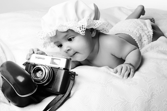 useone International Fotostudio Hamburg Familien Fotoshooting Schwangerschaft Babybauch Baby Kind Großeltern Teenie Oma und Opa Mama Papa Paarshooting Gruppenfotoshooting Tierfotoshooting